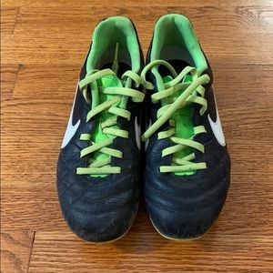 """Nike kids """"tempo"""" soccer cleats"""